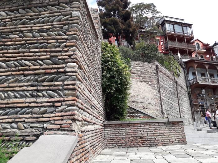 Старый город Тбилиси Красивая кладка стены