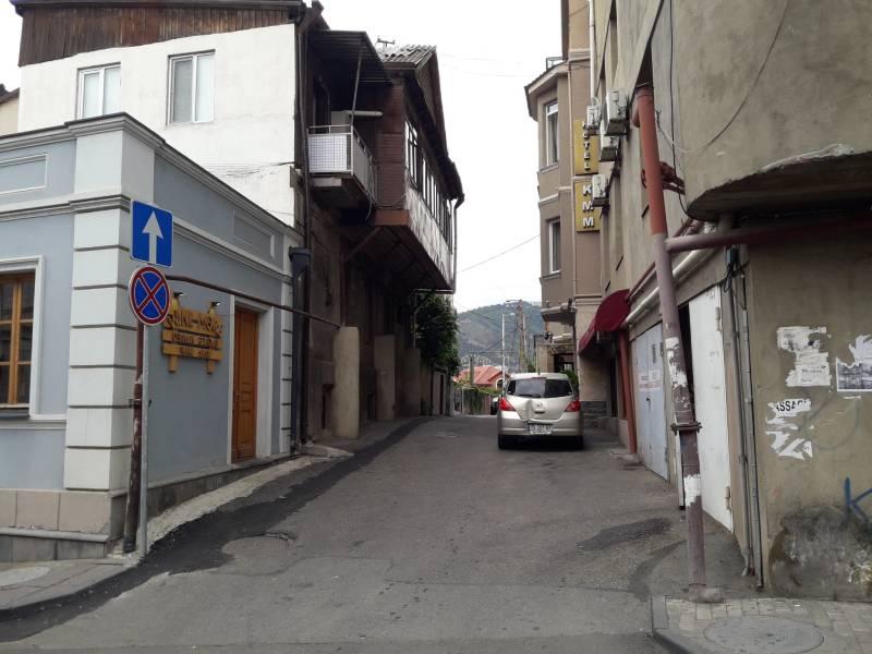 Старый город Тбилиси Узкая улочка