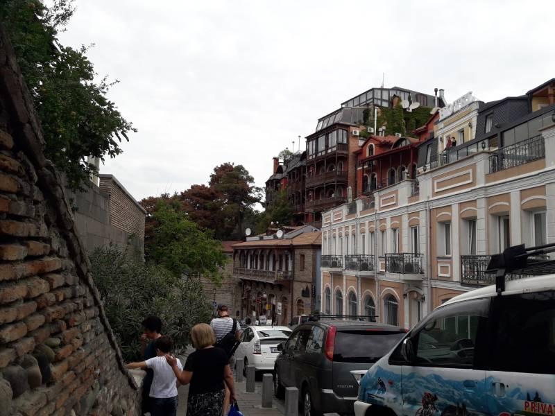 Старый город Тбилиси лестница в центр