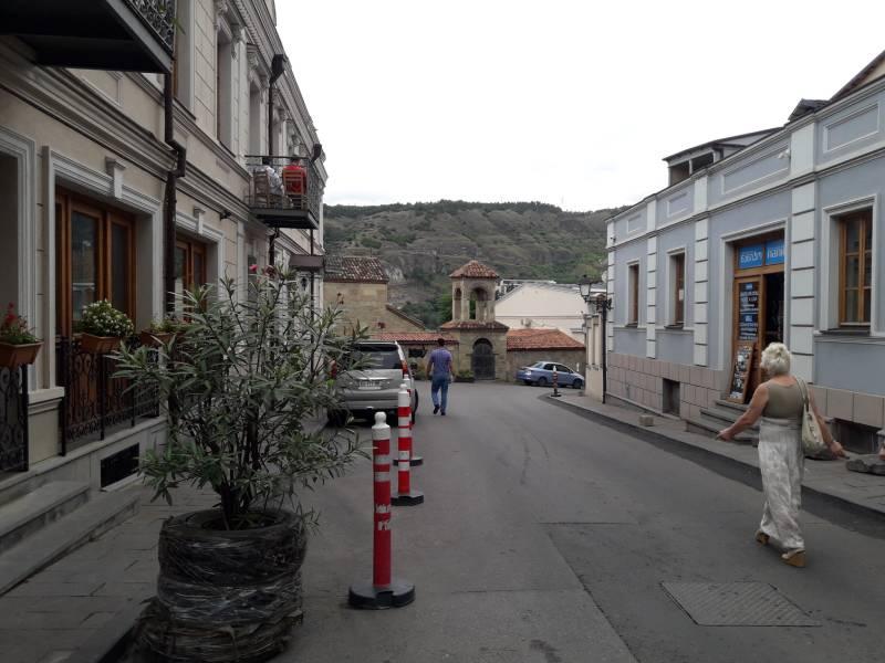 Старый город Тбилиси улочка в горы