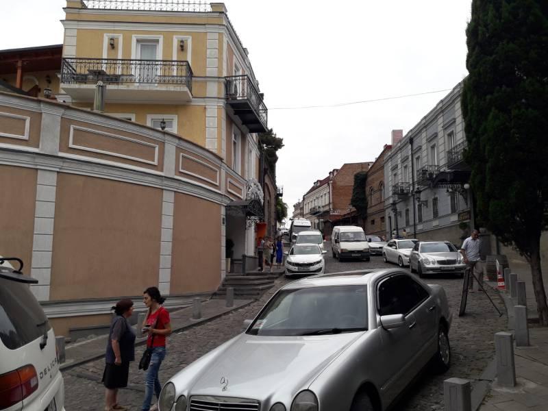 Тбилиси Старый город Спуск в центр города