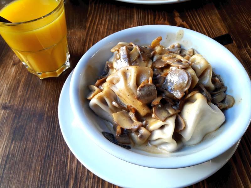 Грузинская кухня Хинкали с грибами