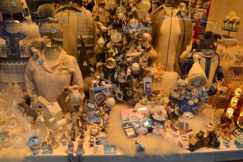 Витрина Новогоднего магазина в Хельсинках