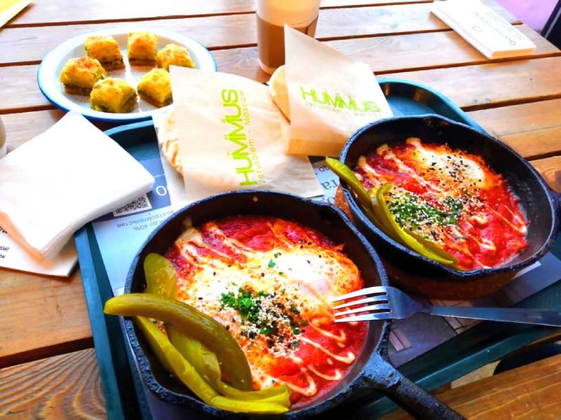 Сытный завтрак - Еврейская кухня на Даниловском рынке